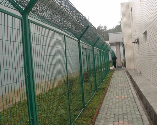 小区外围护栏网安装