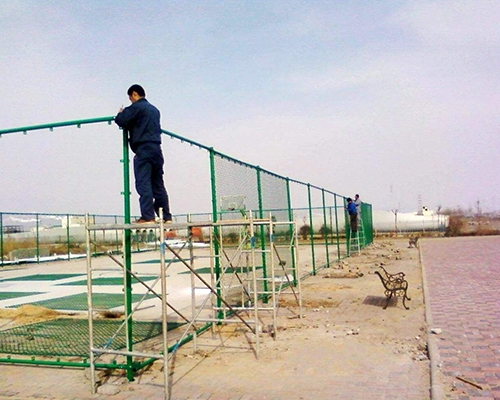 重庆万州某小学体育护栏网安装